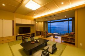 【海と対話し空に抱かれる】楽瑠別邸専用料理と大きな窓から望む富山湾をご満喫ください♪